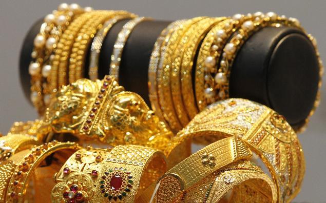 Shakun Apskun for Gold and Silver Jewellery, Hindi. Shagun Apshagun,
