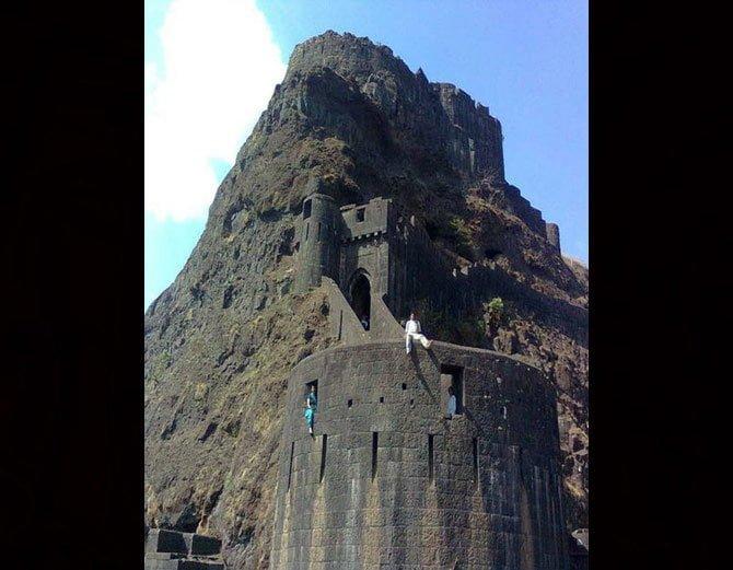 Lohagad Fort, Hindi, History, Story, Kahani, Information