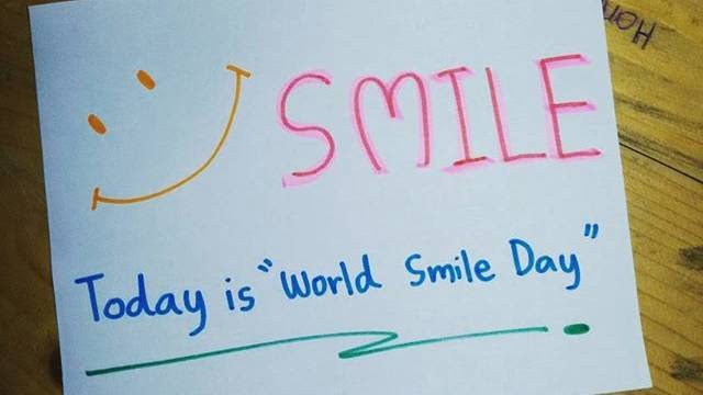 Happy World Smile Day HD Wallpaper