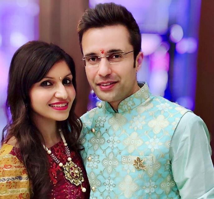Sandeep Maheshwari And His Wife Photos